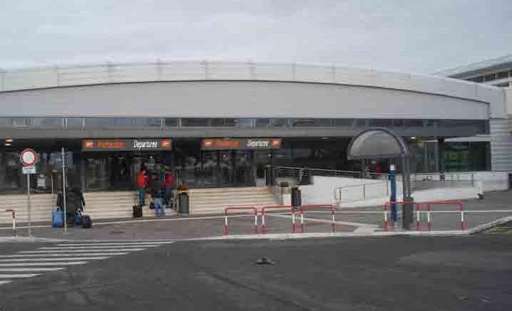 Trasferimento da Fiumicino Aeroporto a Ciampino Aeroporto - Il Servizio di Trasporto più Comodo.